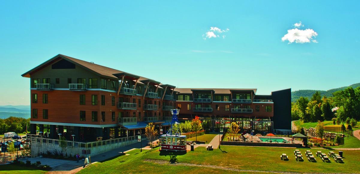 Jay_Peak_Resort_Hotel_Jay_Summer