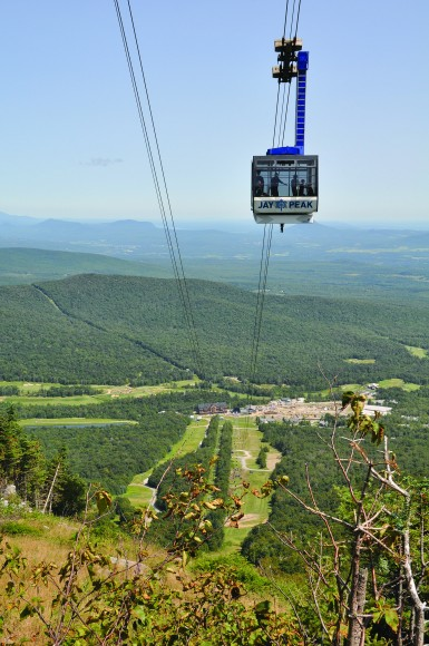 Jay_Peak_Resort_Tram_Summer_Vertical